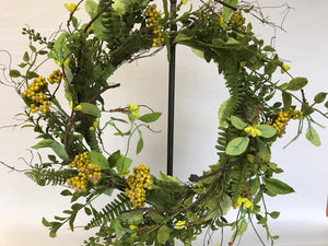 "24"" Wreath - Green Foliage, Berry"