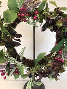 "20"" Wreath - Foliage, Berry, Lavender"