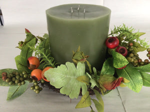 "6""Candle Ring - Berry & Mixed Foliage"