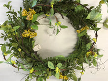 "Load image into Gallery viewer, 24"" Wreath - Green Foliage, Berry"