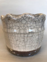 Load image into Gallery viewer, Swan Creek - 9oz pottery - Elderberry & Rosewater