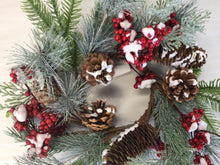 "Load image into Gallery viewer, 4""Candle Ring - Pine Cone, Berry"