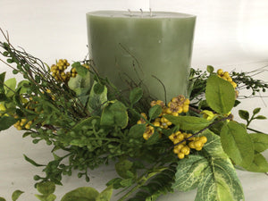 "6""Candle Ring - Foliage & Small Berry"