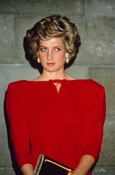 Princess Diana 1990 | 90s fashion trends | shoulder pads | The dallant