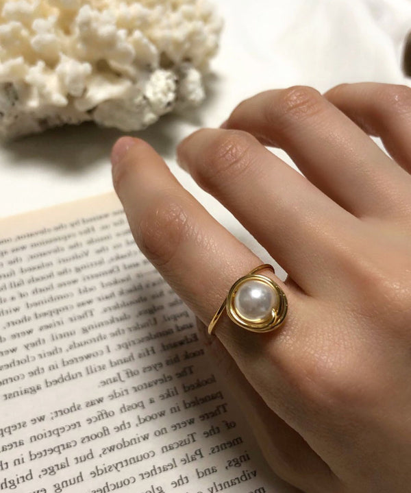 Dainty faux pearl ring in gold - The Dallant