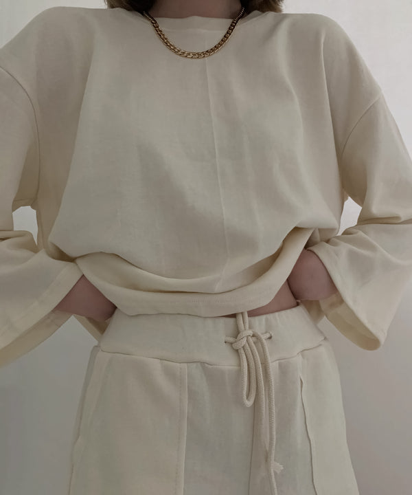 Drop shoulder sweatsuit shorts set in cream