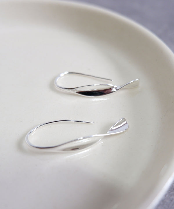 Drop wave silver earrings