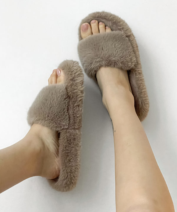 Faux fur slide slippers in caramel | The Dallant | Korean Independent Designers