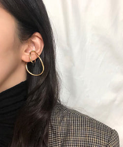Minimal layered-effect ear cuff in gold - The Dallant