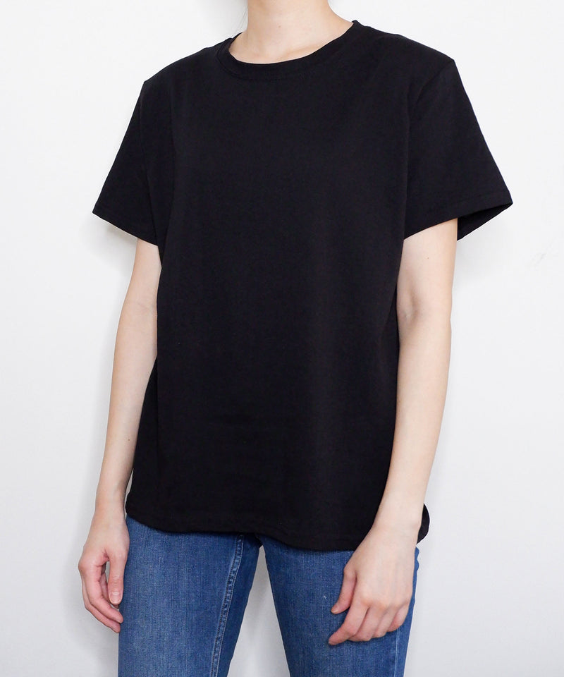 Padded shoulder t-shirt in black - The Dallant