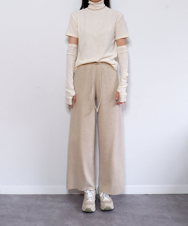 Ribbed turtleneck & fingerless armwarmer gloves set in ivory | The Dallant | Korean Fashion Designers