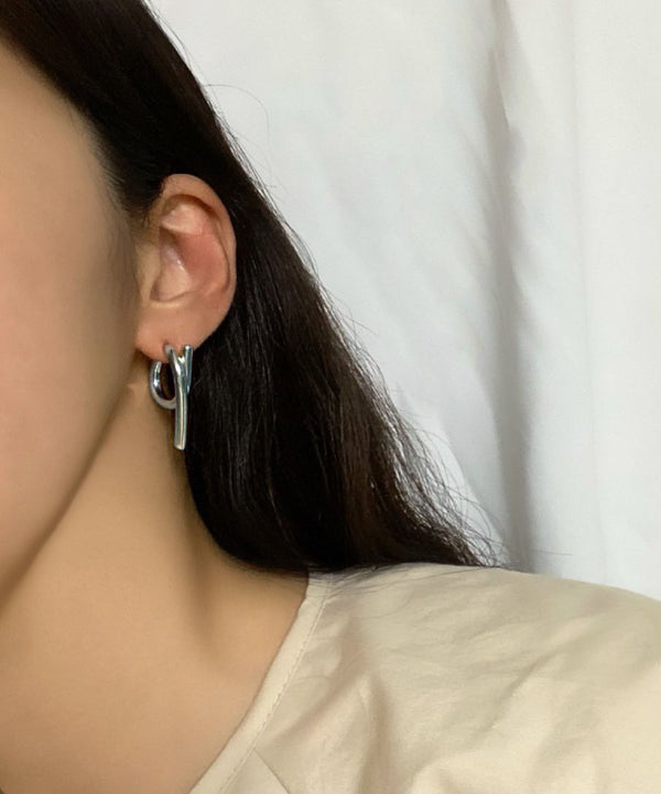 Unbalanced bold earrings - The Dallant