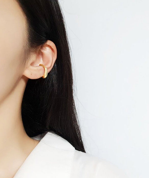 Vintage-inspired ear cuff in gold - The Dallant
