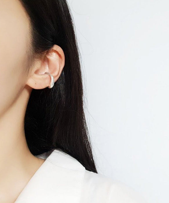 Vintage-inspired ear cuff in silver - The Dallant