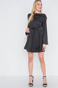 Straight Neck Solid Front-tie Dress