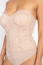 Load image into Gallery viewer, Sweetheart Floral Lace Tube Bodysuit
