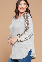 Load image into Gallery viewer, Plus Size Solid Hacci Brush Tunic Top