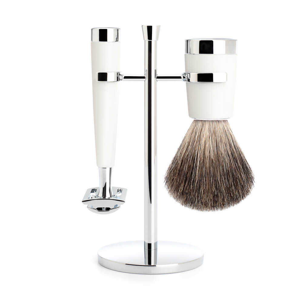 Muhle Liscio Closed Comb Safety Razor Shaving Set