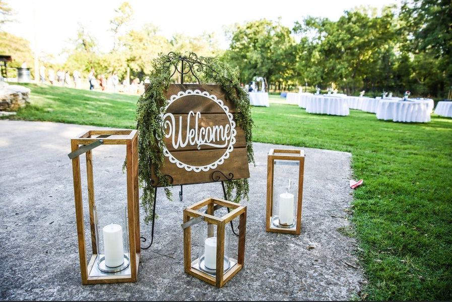 SIGNS, CHALKBOARDS, MIRRORS & FRAMES