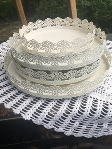 White scalloped trays