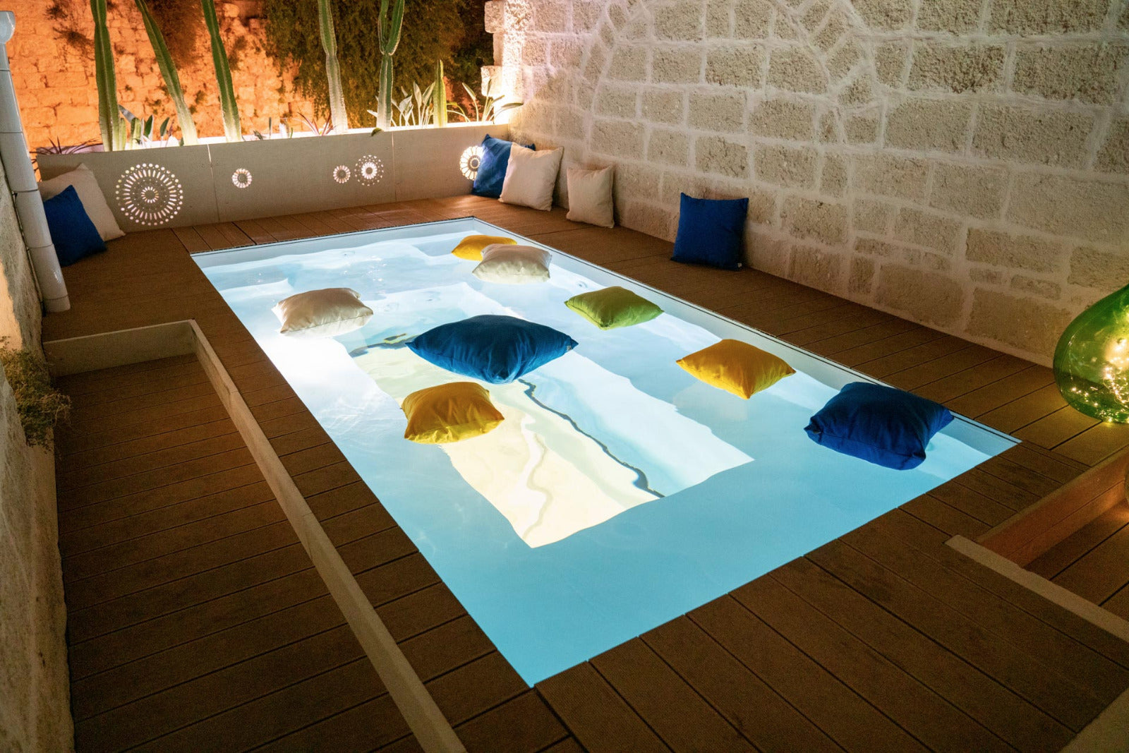 Cuscino idrorepellente in piscina Bantal