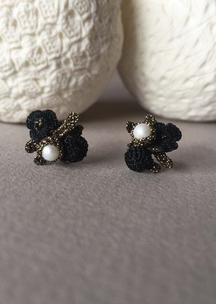flower pearls earrings crochet atelier godole