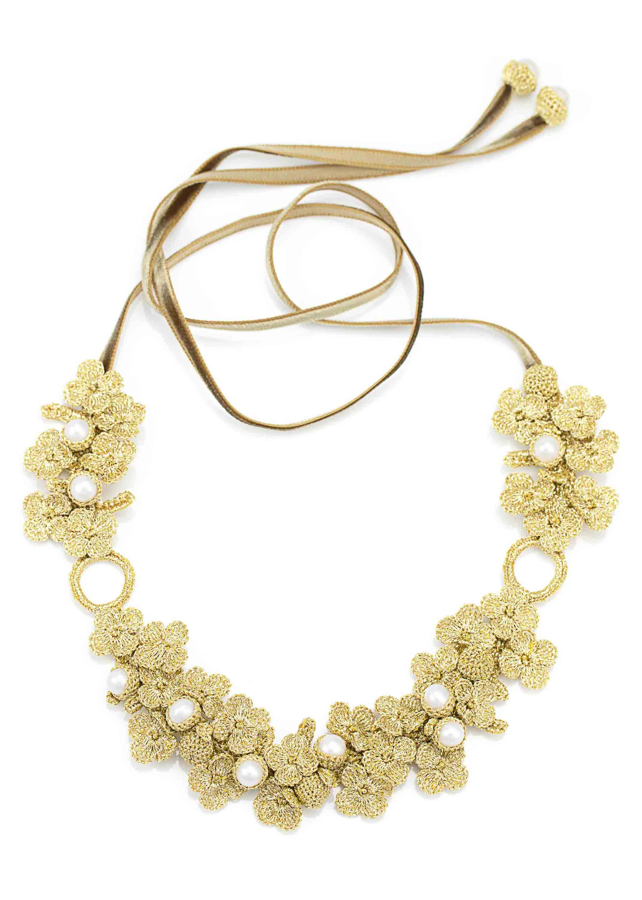 Atelier Godolé Chenonceau gold necklace in pearls and flowers