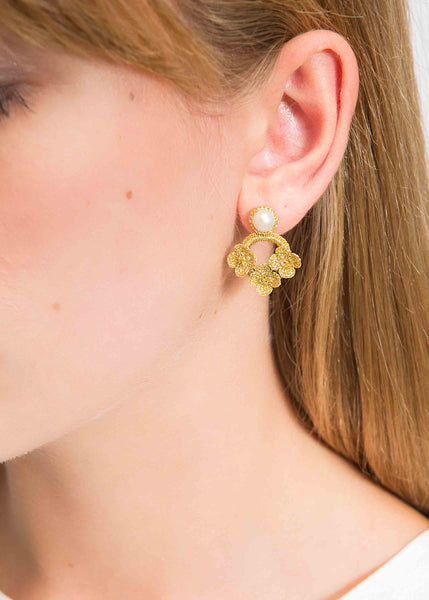Atelier Godolé azay le rideau earrings gold pearls