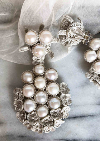 Versailles Silver White Pearls