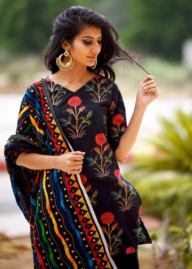 Thread & Button Women's Rayon Printed Suit Set in Black