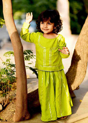 Thread & Button Kid's Crepe Solid Lehanga Choli in Green