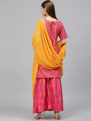 Ahalyaa Women's Cotton Kurta Sets in Pink