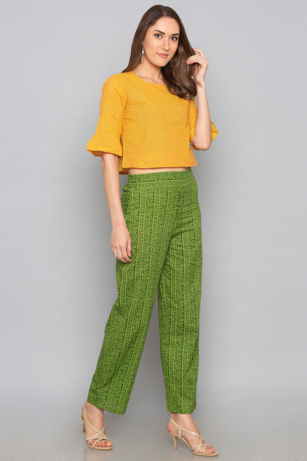 Cotton Solid Trouser in Green