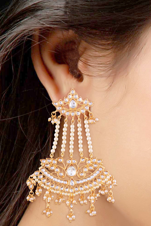 Alloy Drop Earring in White