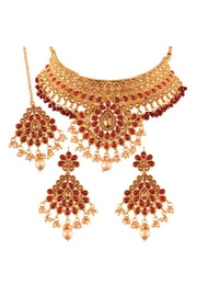 Alloy Choker Necklace Set with Maang Tikka in Red