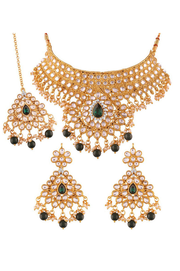 Alloy Choker Necklace Set with Maang Tikka in Green
