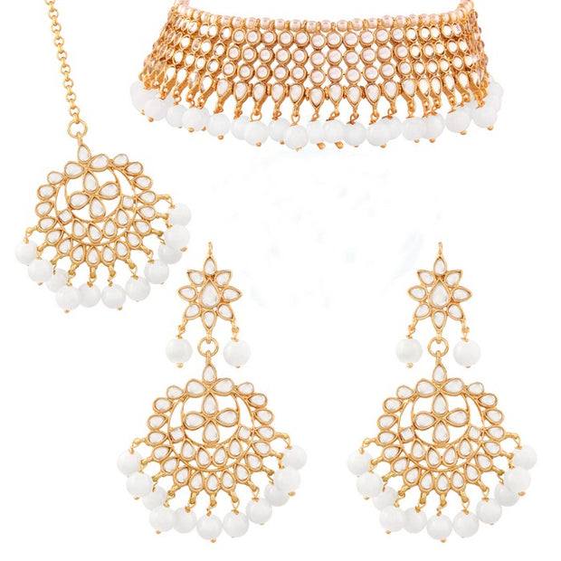 I Jewels Women's Alloy Necklace with Earrings and Maang Tikka in White