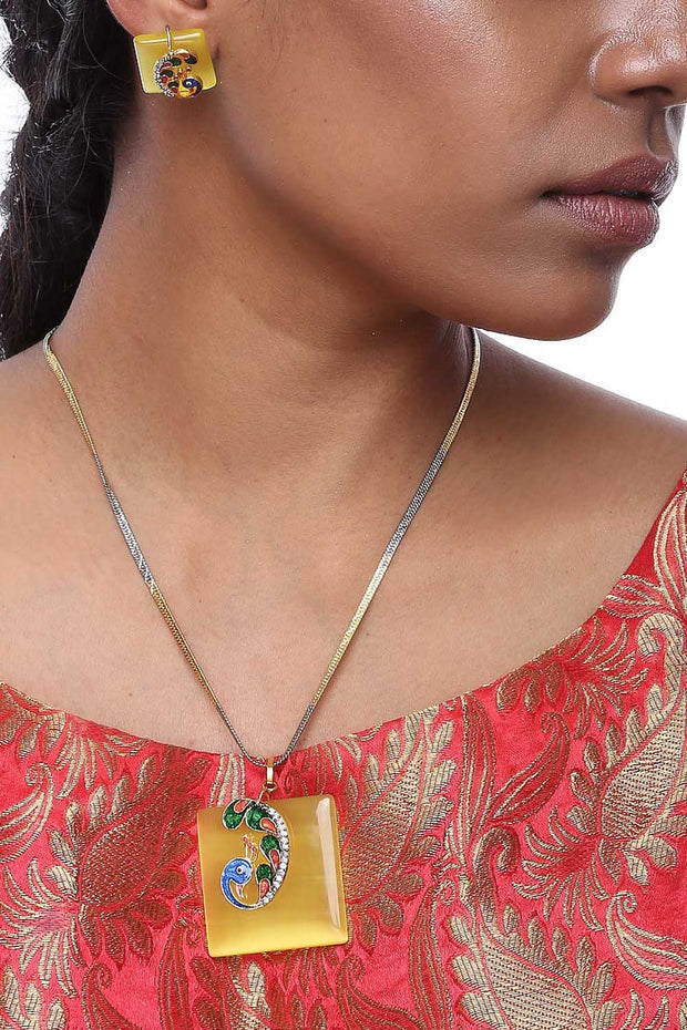 Ruby Rang Alloy Necklace and Earring Sets in Yellow