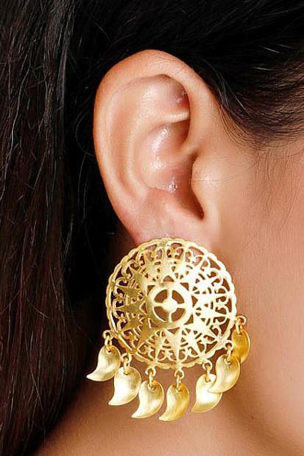 Women's Alloy Stud Earrings in Gold