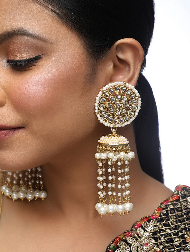 Women's Alloy Kundan Jhumka Earrings in Gold
