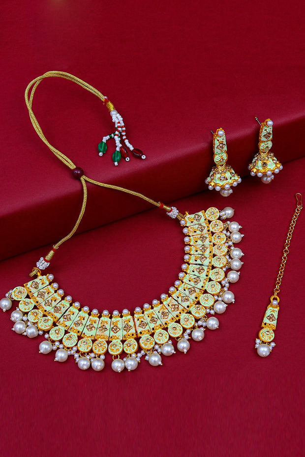 Alloy Necklace and Maang Tikka Set in Green