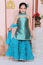 Buy Girl's Jacquard Embroidered Kurta Set in Green