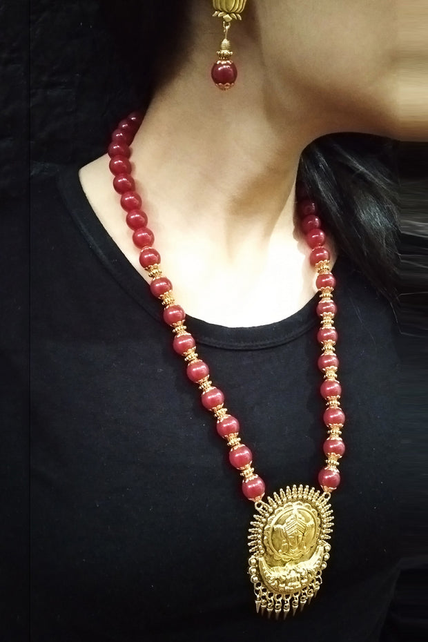 Women's Alloy Necklace in Gold and Maroon
