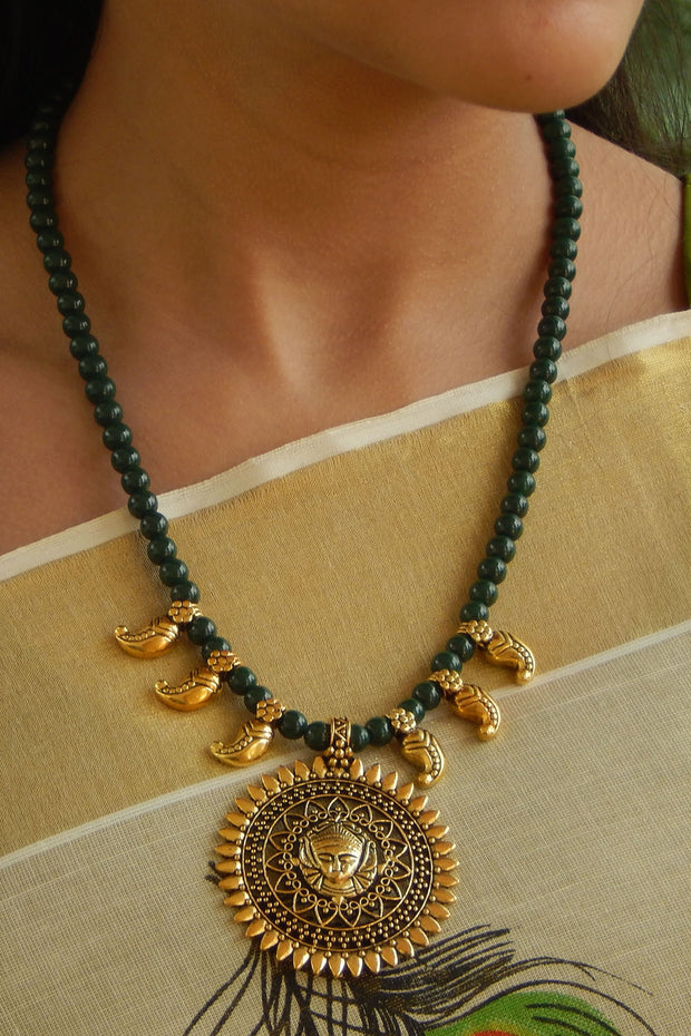 Women's Alloy Necklace in Gold and Dark Green
