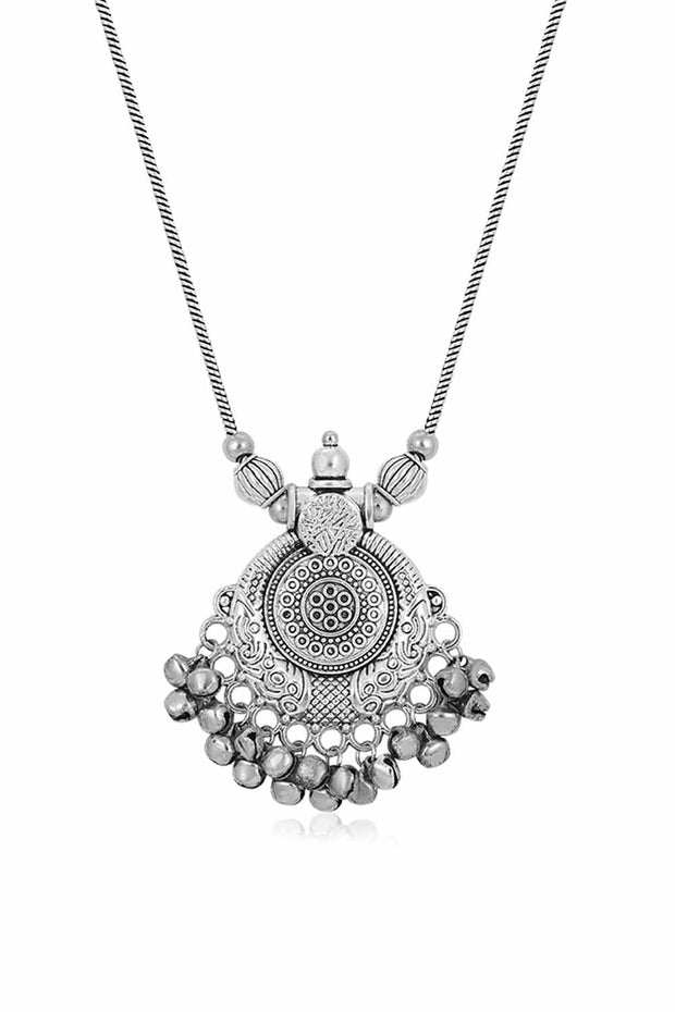 Sukkhi Alloy Necklace Set in Silver