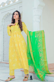 Thread & Button Blended Cotton Suit Set in Yellow