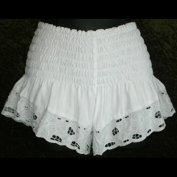 Daisy's White Embroidered Shorts-Pants-Peaceful People
