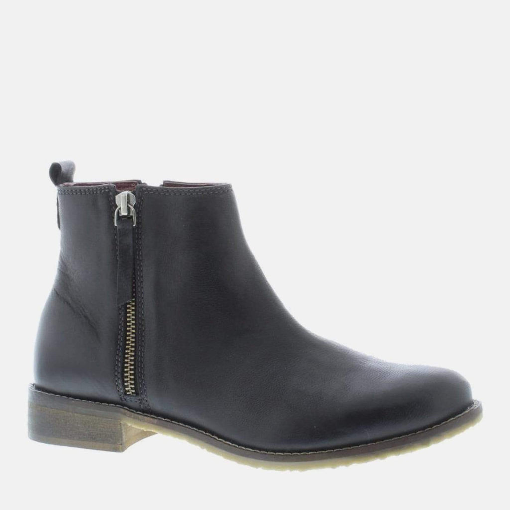 Adesso Footwear Megan Black