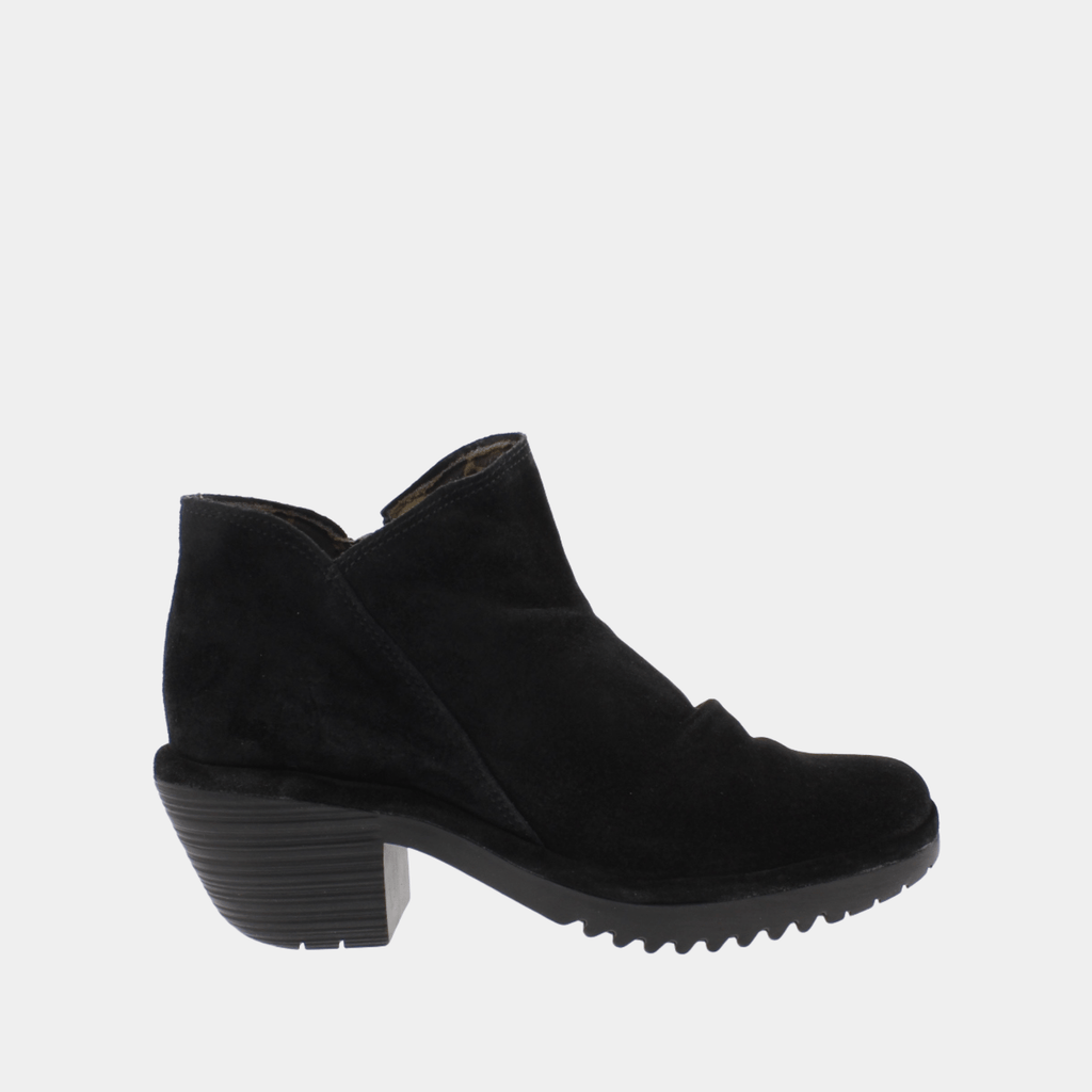 Fly London Footwear Wez Black Oil Suede P500890003