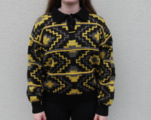 Load image into Gallery viewer, Vintage Sweatshirt Size Women's S/M